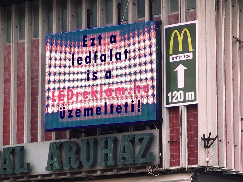 Led fal reklám
